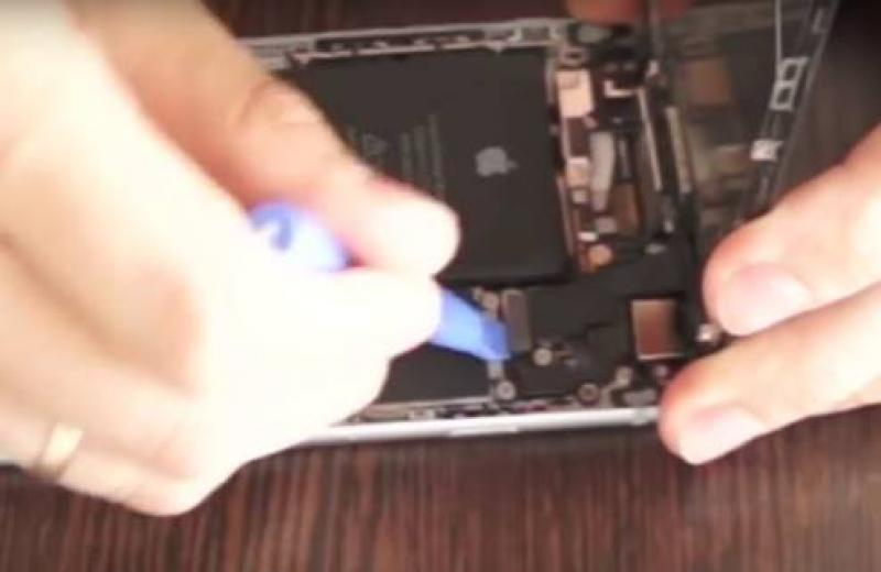 Как поменять аккумулятор на iPhone 6